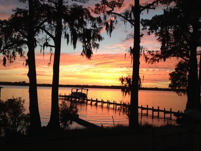 Beautiful Waterfront View of the Pamlico River Convenient to Everything
