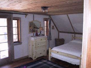 Lake Arrowhead cabin photo - Upstairs guest room