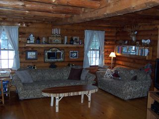 Lake Hortonia cabin photo - TRUE Log Home,cozy living room,Big Screen TV,DVD,airconditioning
