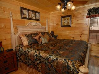 Pigeon Forge cabin photo - Downstairs mini-suite has private bath, king bed, 32-inch TV, plus DVD player.