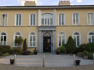 A  stylish and sophisticated property centrally located in Howth