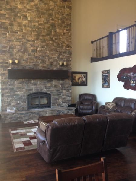 Spacious and beautiful 5400 sq. ft. cabin located near Palisade State Park.