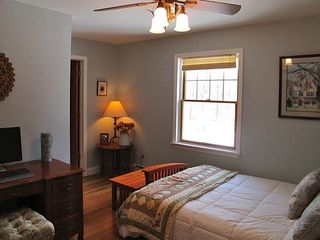 New Paltz house photo - Queen bedroom