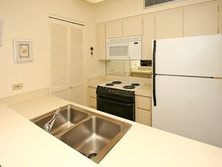 Kaanapali condo photo - Mahana Studio Full Kitchen with Microwave