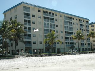 Fort Myers Beach condo photo - Beautiful 3rd floor corner condo with side windows viewing beach &Sanibel Island