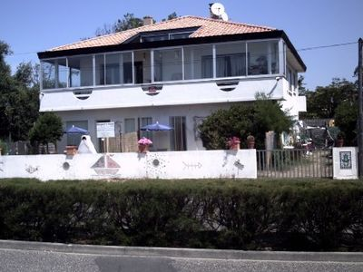 Guest rooms and apartments to 30 meters from the beach.