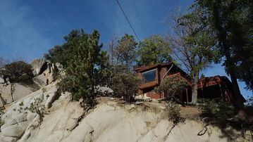 Idyllwild cabin rental - overlooking the world