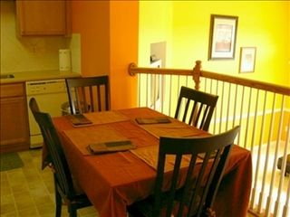 Vacation Homes in Ocean City townhome photo - Dining area