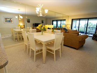 Sanibel Island condo photo - Dining
