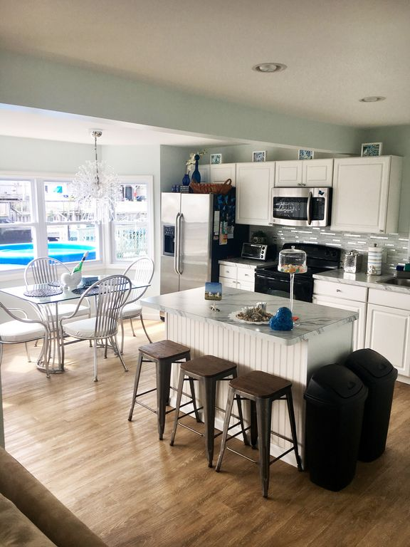 Beautifully furnished waterfront property in Beach Haven West