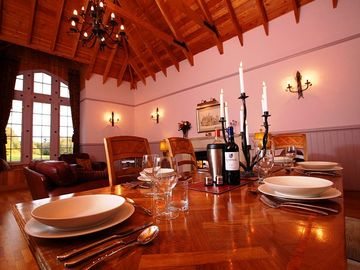 Otter Lodge Dining