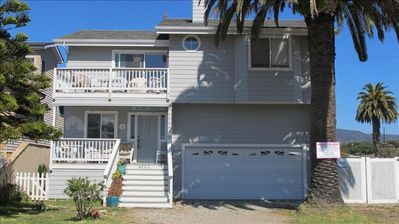 The Beach House is three blocks from the ocean, walking distance to town & depot
