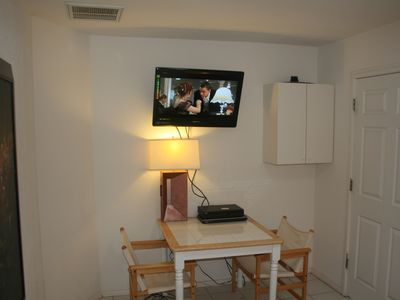 Henderson house rental - Guest Quarters - Sitting room, 42' HDTV