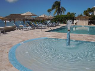 Grand Cayman condo photo - bubbling zero entry small pool