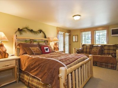 Bear Rm Master Suite -queen & single,  TV/DVD, private exit to the hot tub.