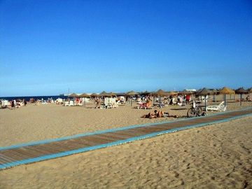 The wide, sandy beach at Valencia