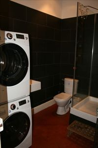 9kg LG washer and dryer in the shower room