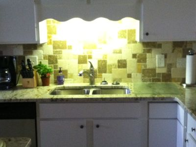 Full custom kitchen w/granite countertops and all new stainless steel appliances