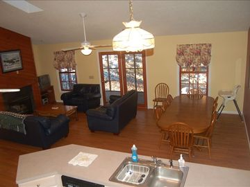 Massanutten house rental - Living Family Room, large kitchen and dining area