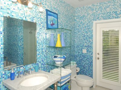 Melbourne Beach villa rental - Ocean Waves Bathroom
