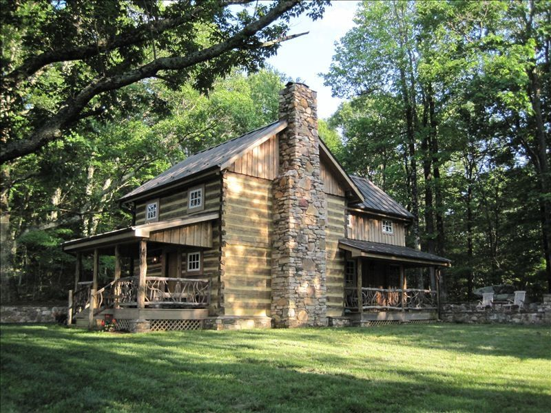 Overlook cabin atop the blue ridge mountains vrbo for Log cabin blue mountains