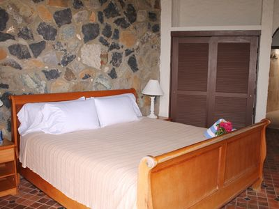 Chocolate Hole house rental - Master bedroom with comfortable king size bed.