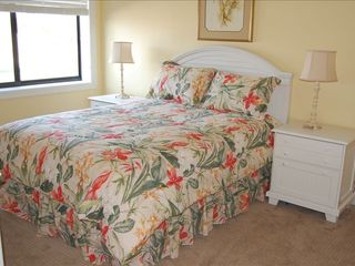 Perdido Key condo photo - Cheerful Queen Bedroom with TV and private vanity sink!