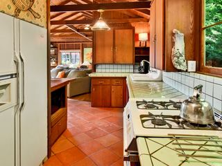 Santa Cruz house photo - Fully Equipped with Lively Dishes. Dine in Style.