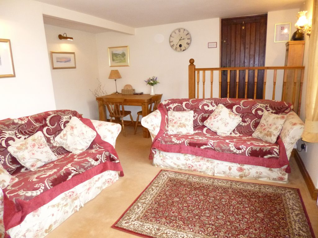 Peaceful Bedroom Peaceful Cosy One Bedroom Cottage For Two People In Malton