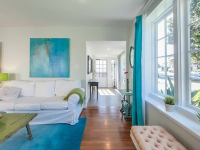 Chic, Beachy 3Bedroom Remodeled House, sleeps 6,Close To Beach, LAX, LMU