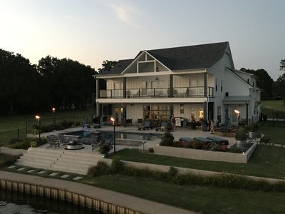 Ultimate Family/Entertainers Dream Lakehouse! Pool, Double Deck Boat Dock,