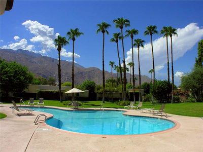 Greenhouse West Vacation Rental Condos - Palm Springs Rental Agency