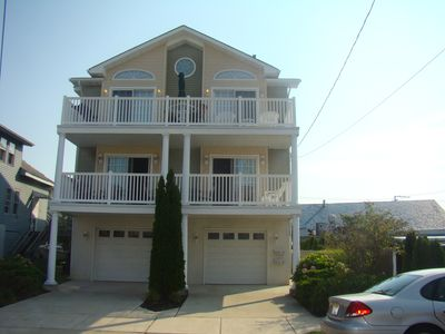 Fabulous 1st Floor Condo in terrific location - block to beach/boards/convention