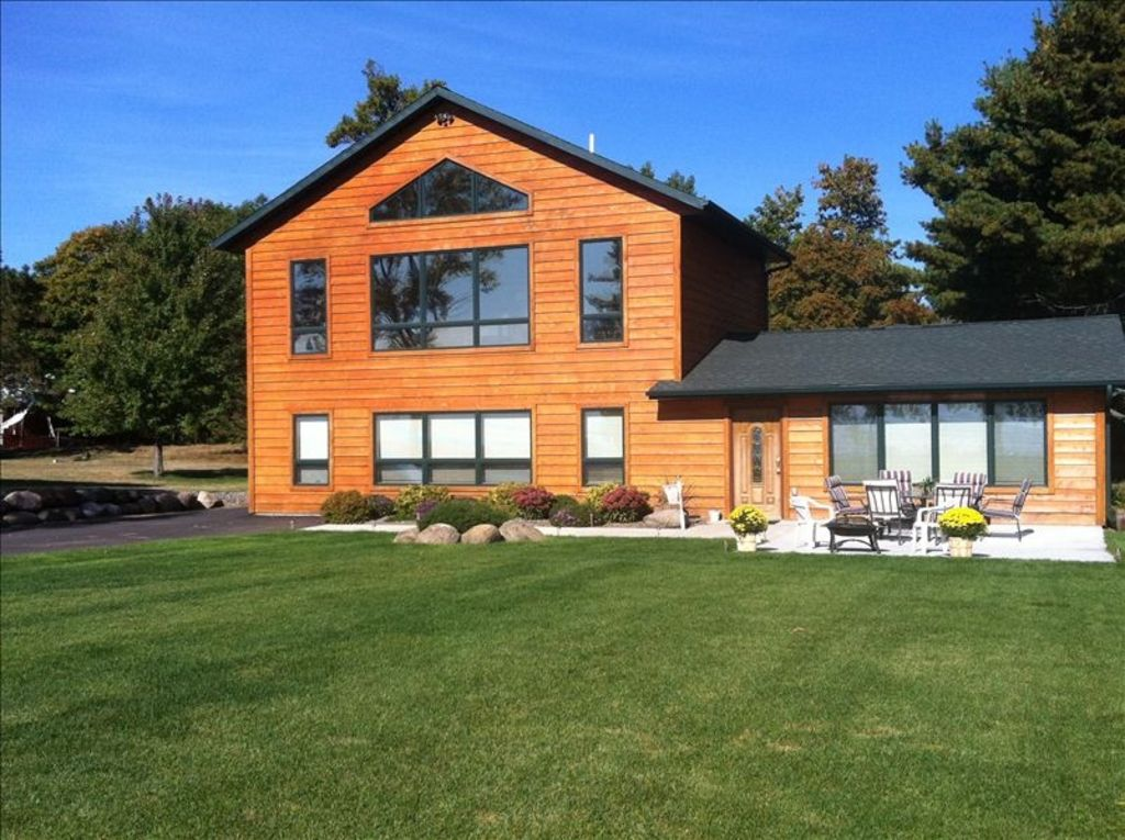 House of dreams on mille lacs lake family vrbo for Garage des milles lacs