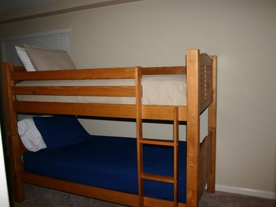 Guest room. Second set of bunks.