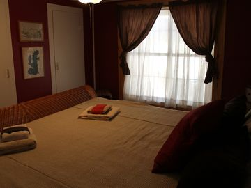 Savannah Room at Habari, king size bed