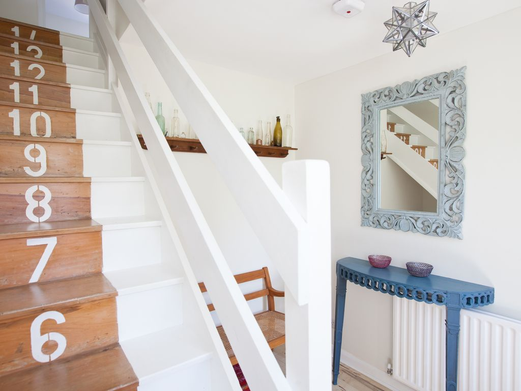The Hayloft - Gatwick 15 mins - private apartment with stunning views