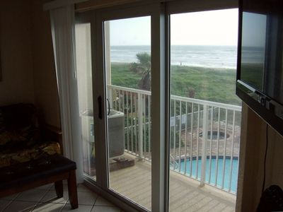 21 ft of new sliding glass doors to see wonderful view of Gulf of MX