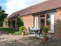 PEAR TREE, family friendly, with a garden in Wood Norton, Ref 24356