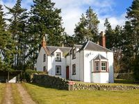 ROTTAL FARMHOUSE, pet friendly in Kirriemuir, Ref 922220
