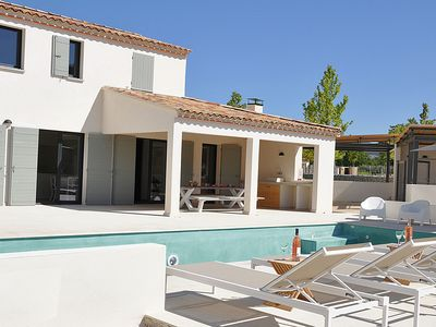Luxury villa with private pool in domain Malaucène to Mont Ventoux