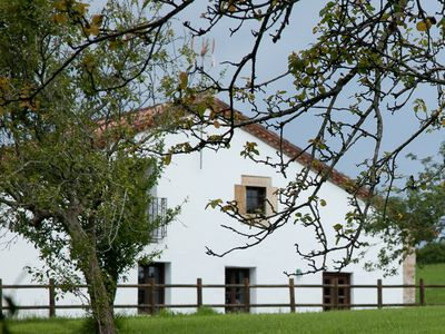 Wonderful renovated stone farmhouse- 4km from San Vicente de la Barquera  Barque