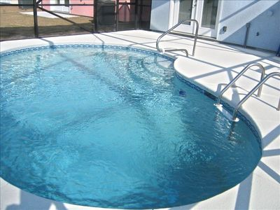 5 bedroom 3 Bath House w/Private Pool ! Availability for Spring Break and April