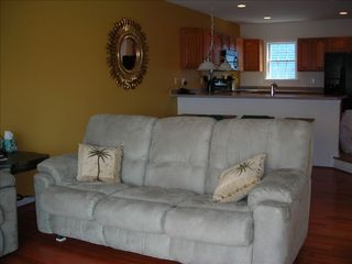 South Island Villas Ocean City townhome photo - Queen pull out sofa bed