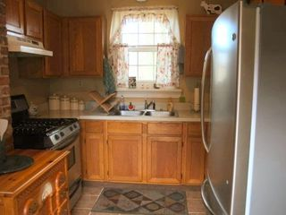 Lovettsville cottage photo - Fully-Equipped Kitchen