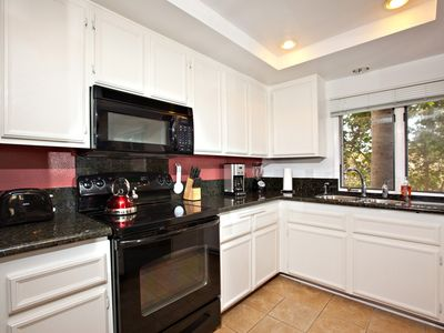 La Jolla condo rental - KITCHEN