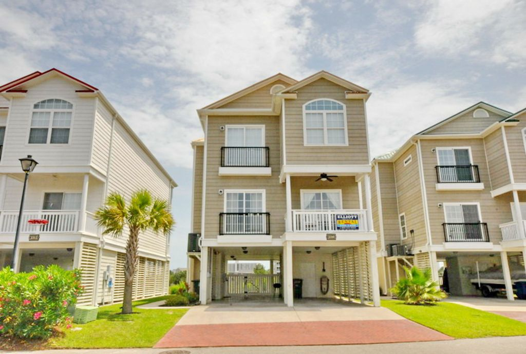 Pointe marsh beach house luxury marsh front 5 bedroom for Beach house elevator cost