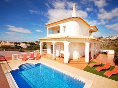10% OFF! Beautiful villa with pool, WiFi, air con and games room, close to beach
