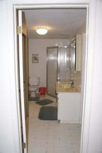 South Haven studio rental - bathroom in studio