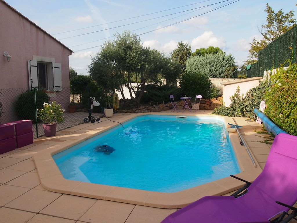 Superbe maison avec piscine saint maximin la sainte for Cash piscine saint maximin